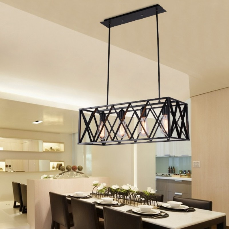 Luminaire suspendu vintage 4 lumières dans un cadre rectangulaire à l'ombre, finition métal peint en noir