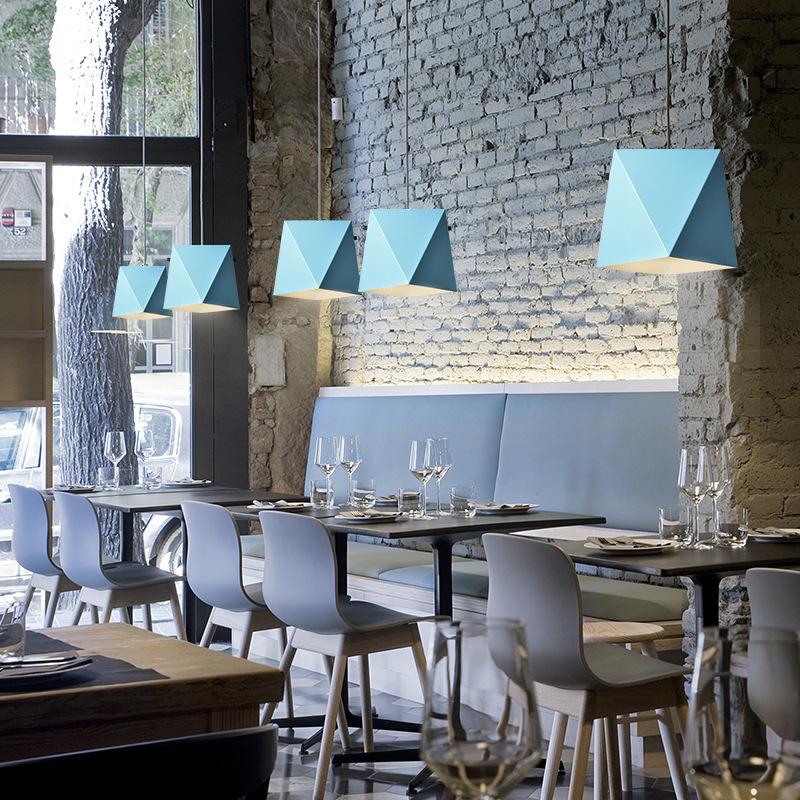 Iron Art LED Chandelier Simple Macaron Couleur Convient pour Salon Restaurant Chambre Chambre Chevet Chandelier Café Lampe