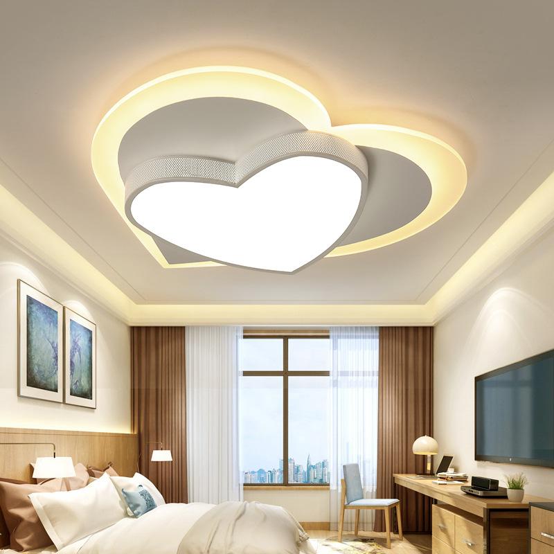 Lampe de Chambre LED Plafonnier Blanc 45W Dimmable Lampes en Forme de Coeur Lampes Design Moderne Plafonnier Acrylique en Métal Créatif Lustre Lampe de Cuisine L50cm * W46cm * H8cm