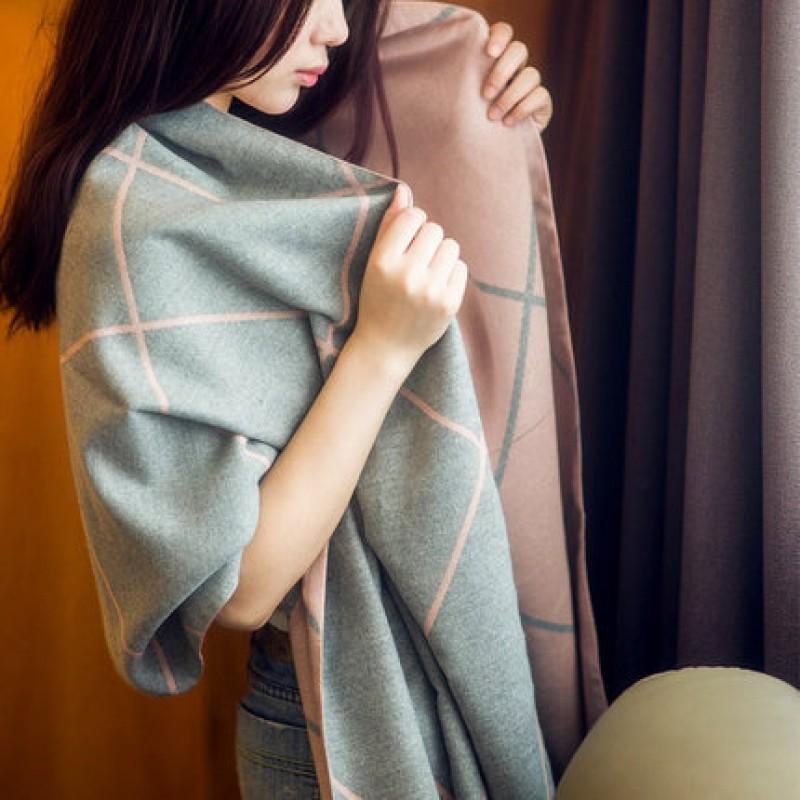 Écharpe Foulard Châle pour Femme Automne Hiver Chaude Douce Motif à Carreaux Surdimensionné avec Décoration Frange Simple Classique (190 * 65CM)