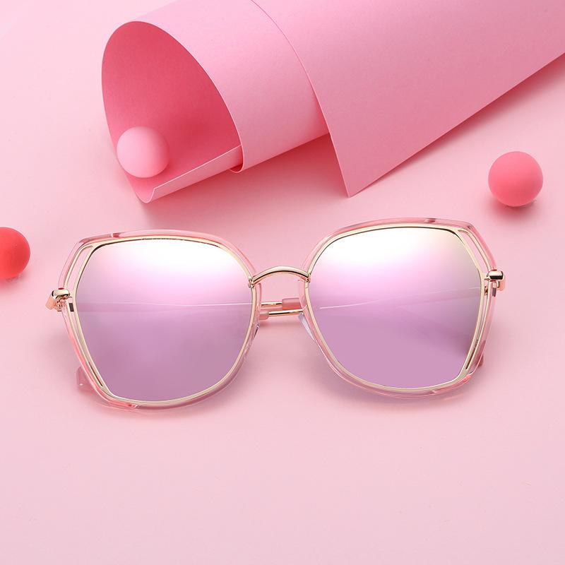 Lunettes de Soleil Polarisées Oeil de chat Cateye Modernes et Fashion Réfléchissantes UV400 Pour Femmes (envoyer étui à lunettes)